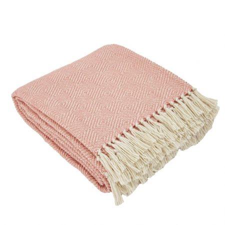 Diamond Blanket Coral | Christmas Hosting