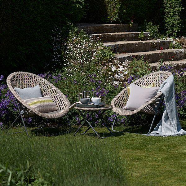 Folding rattan garden set