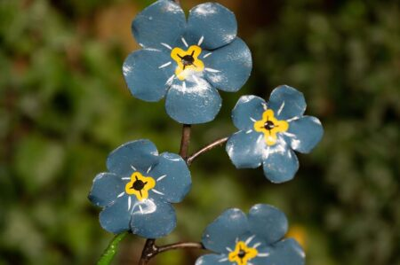 recycled metal flowers Forget Me Not