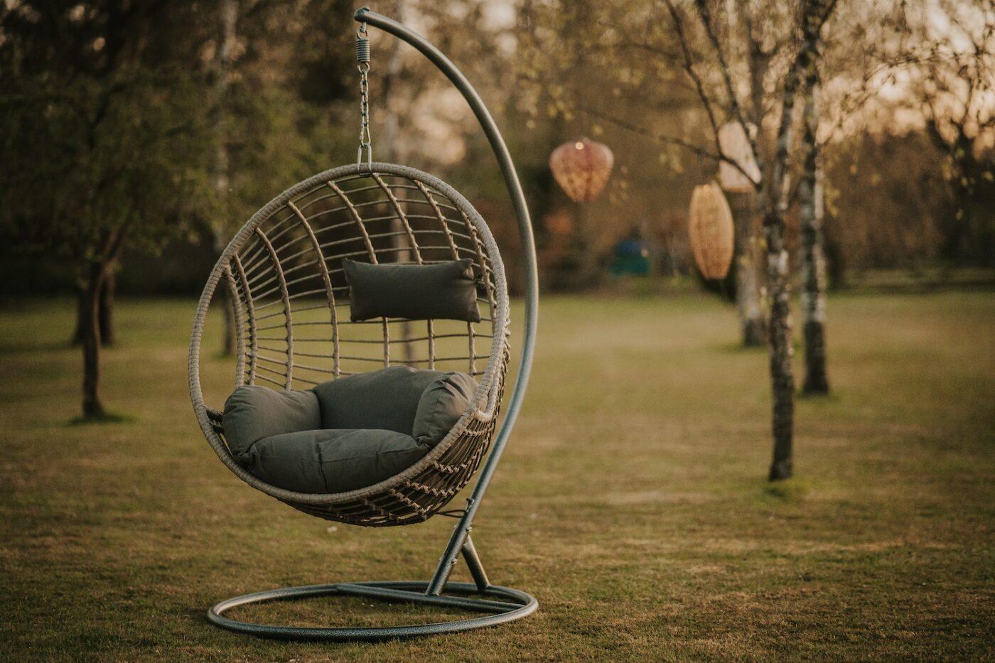 hangout egg chair