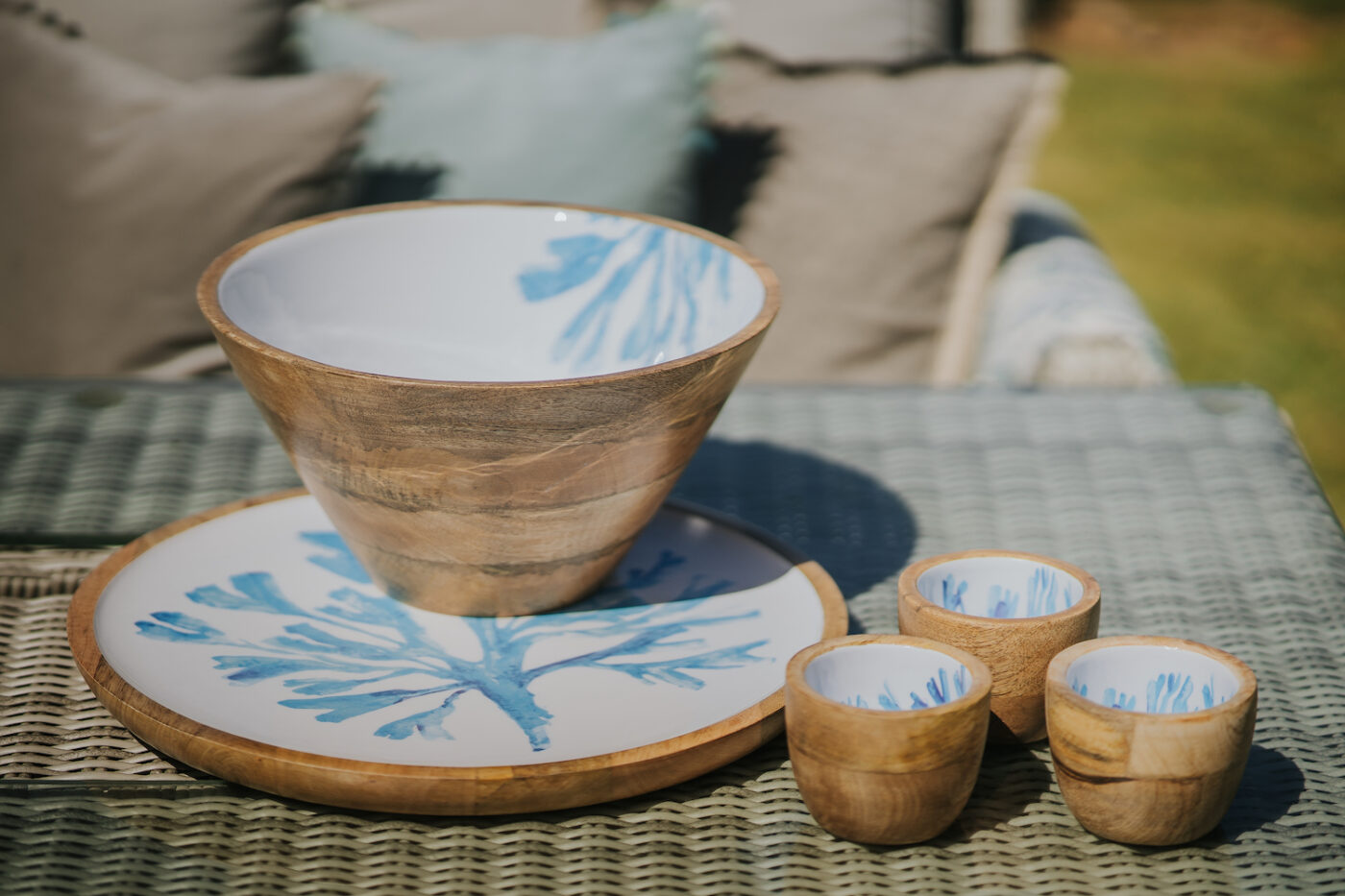 mango wood serving dishes seaweed design