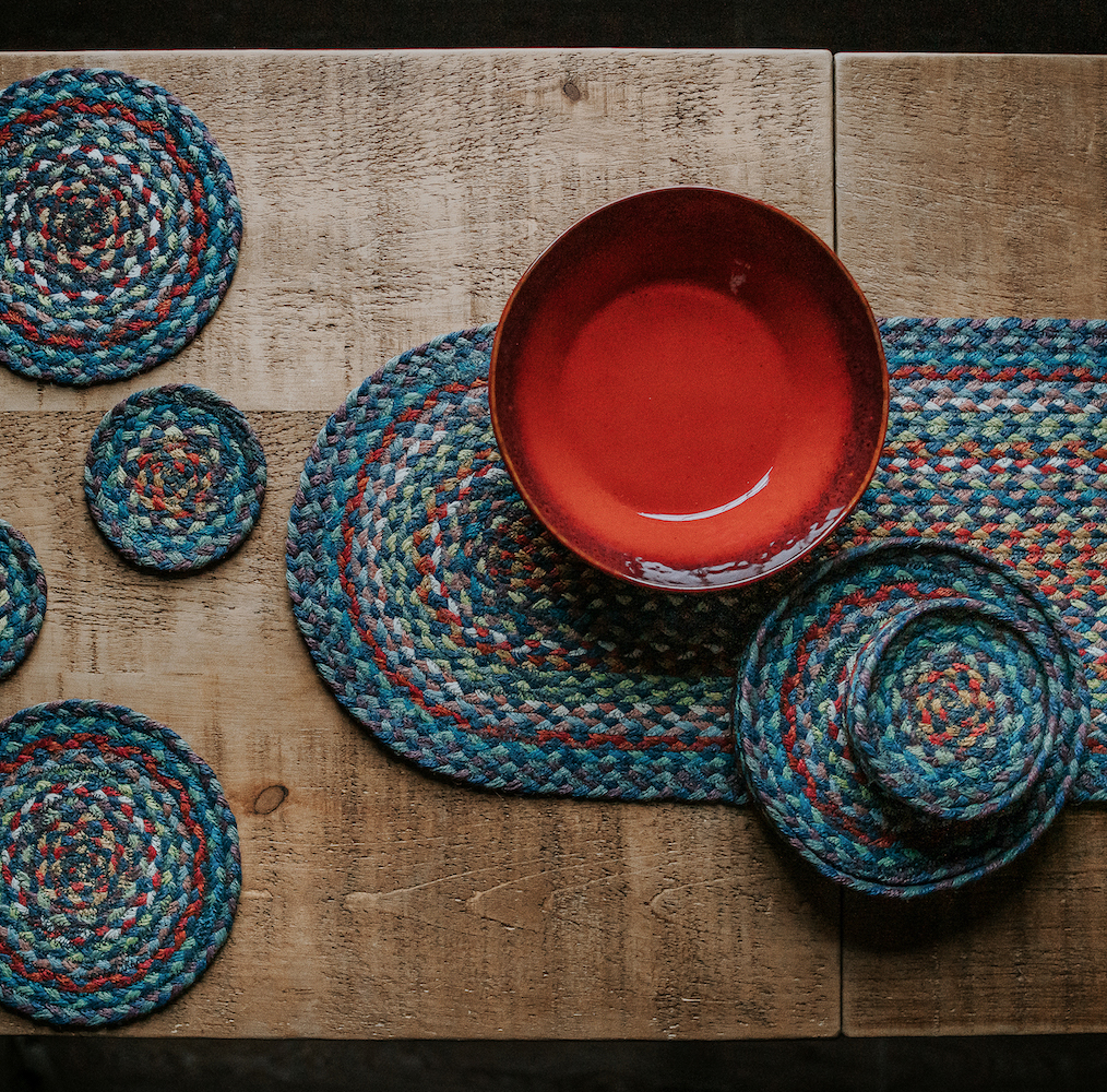 Tableware and table accessories