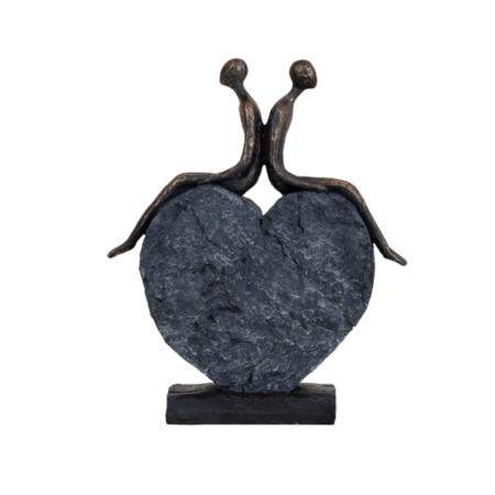 couple love heart sculpture